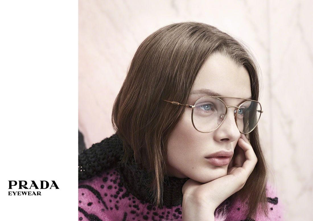 64ee6ded4c648a Klassiek én modern met de brillen van Prada